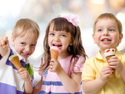Τα παιδιά μας πρέπει να τρώνε παγωτό!