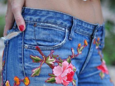 Λουλούδια κεντημένα στα ρούχα και αξεσουάρ