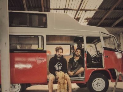 Στο δρόμο: Κάνει πρεμιέρα ο Γιώργος Μαυρίδης και ο Γιώργος Λέντζας!
